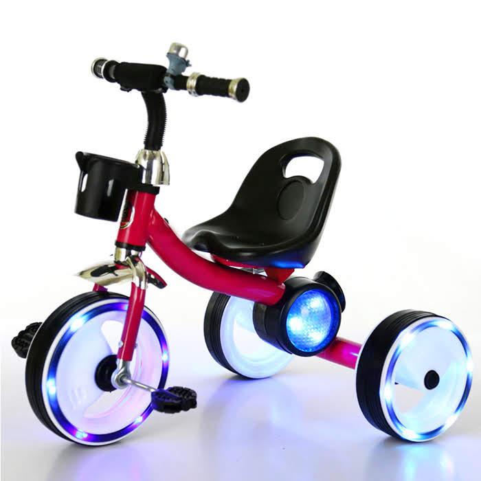 xe đạp 3 bánh có bàn đạp cho trẻ em