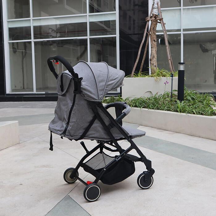 xe đẩy cho bé Topbi A8 siêu nhẹ