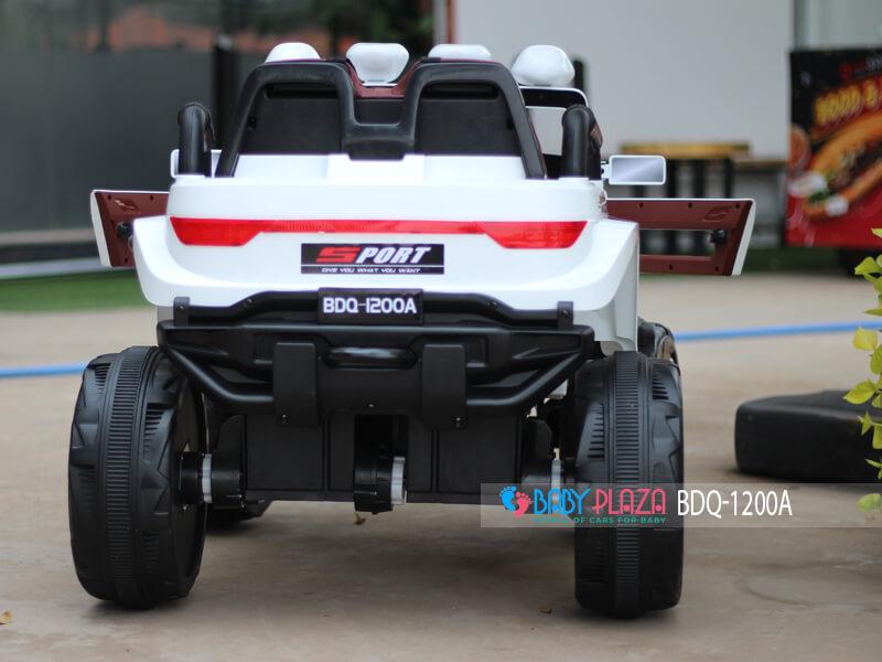 mẫu xe jeed địa hình cho bé 1200a