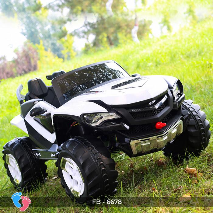 xe jeep cho bé chạy bằng điện