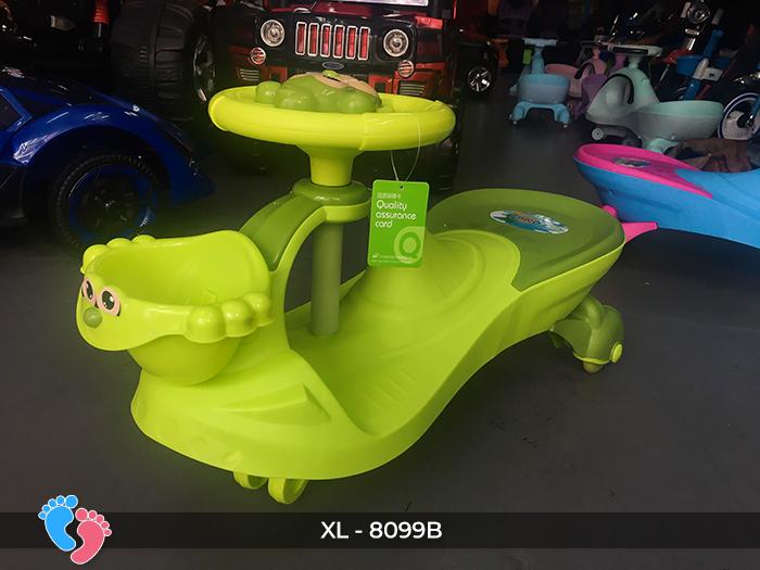 xe lắc cho trẻ em 8099B